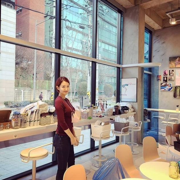 [TEN 이슈] 오정연, 코로나19로 결국 카페 폐업…홍석천·이종석·강원래도