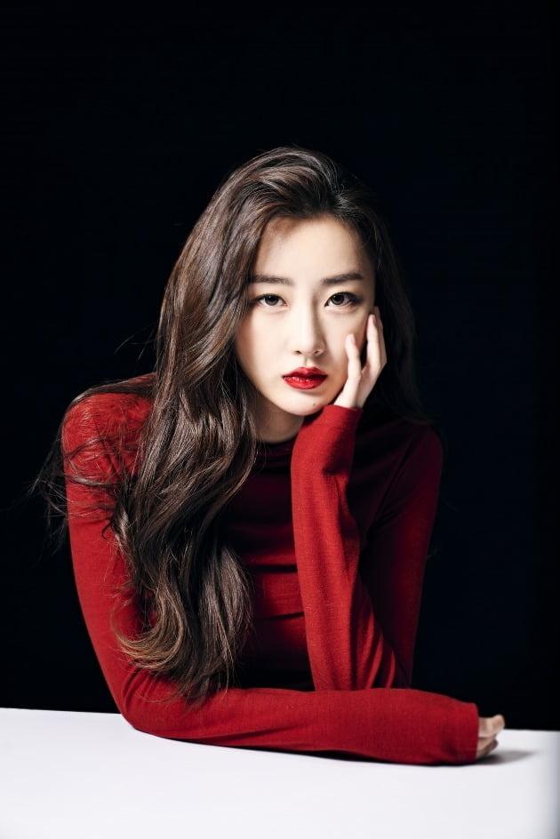 가수 수빈은 '미쓰백'을 통해 인생곡 '사인'으로 활동중이다./사진제공=이미지나인컴즈