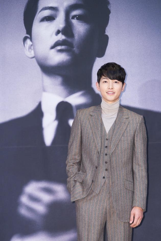 송중기는 '빈센조'에서 마피아의 냉철한 전략가이자 변호사, 콘실리에리 빈센조 까사노 역을 맡았다. /사진제공=tvN