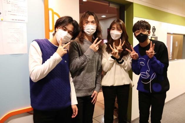 이무진(왼쪽부터), 정홍일, 김이나, 이승윤. /사진제공=쇼플레이 엔터테인먼트