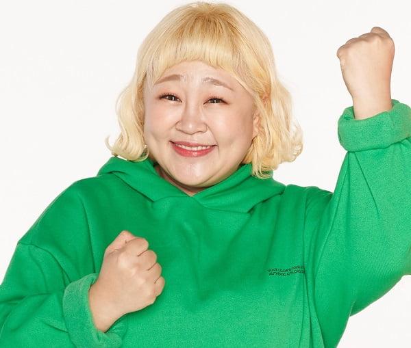 '외식하는날' MC 홍윤화/ 사진=SBS FiL 제공