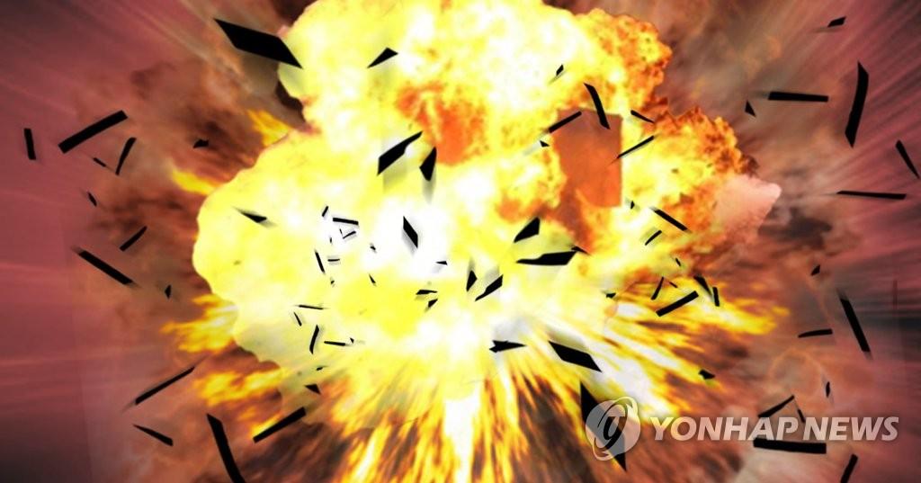 광주 양동시장 인근서 SUV 차량 폭발…운전자 중상