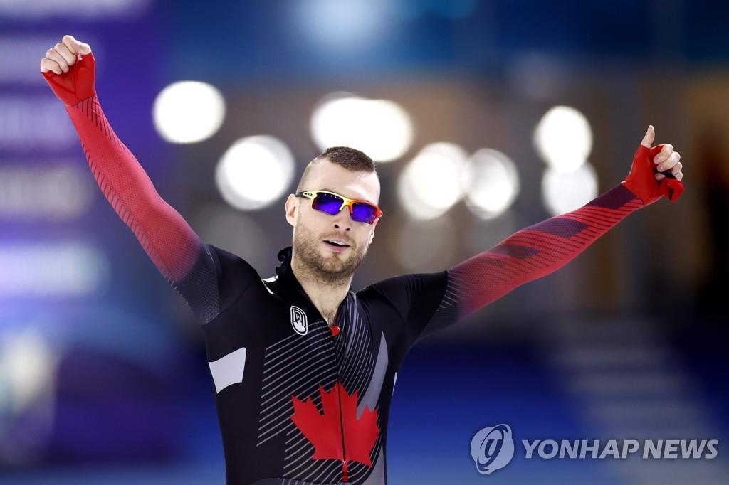 듀브릴, 빙속 세계선수권 500m 챔피언…'캐나다 역대 두 번째'