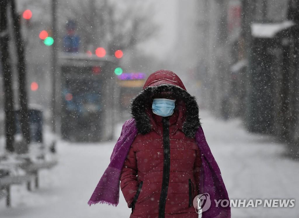 미 강타한 겨울폭풍 북동부까지 엄습…남동부는 토네이도