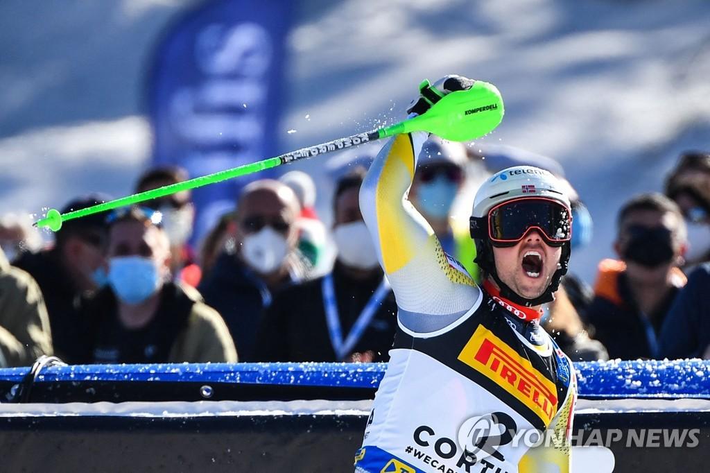 노르웨이 포스-솔레보그, 스키 세계선수권 남자 회전 우승