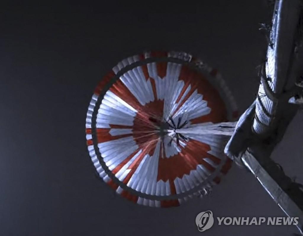 화성 바람소리 첫 포착…로버 착륙 '공포의 7분' 영상도 공개