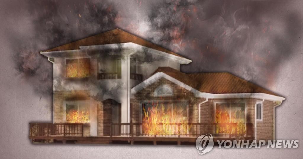 전남 진도 주택에서 불…50대 남성 숨져