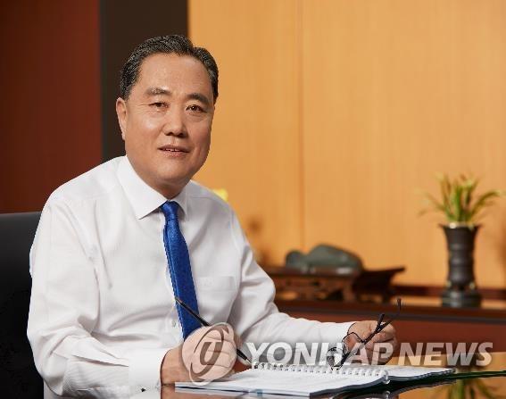 선거 전 선물 돌린 박차훈 새마을금고중앙회장 벌금 80만원