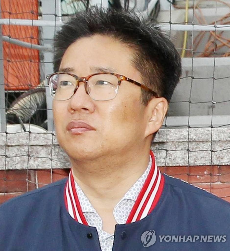 이마트, 프로야구단 인수 발표 28일 만에 강력한 '추신수 홈런'