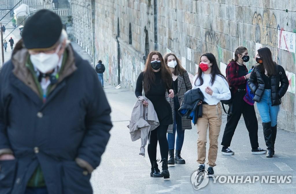 """이탈리아서 중국산 불량 마스크 대량 유통…""""차단효과 35%"""""""