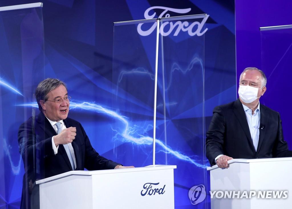 """포드, 2030년까지 유럽서 내연기관 차 퇴출…""""전기차에 올인"""""""