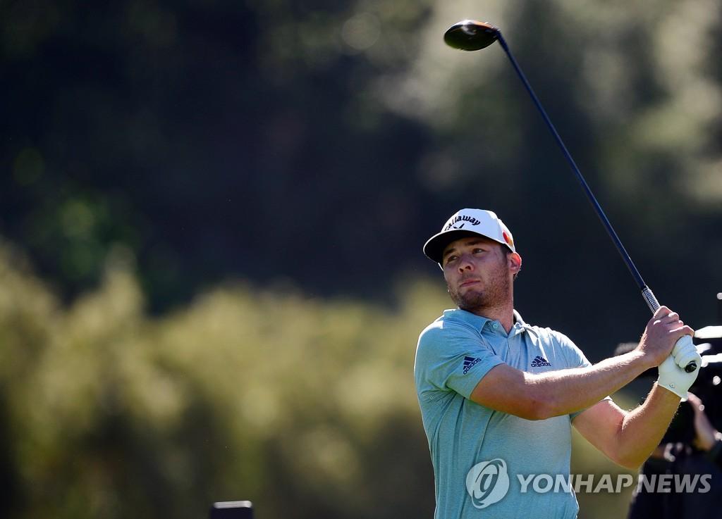 번스, PGA 투어 제네시스 2R 5타 차 선두…김태훈은 컷 탈락