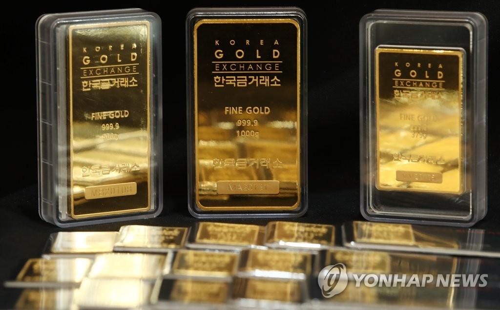 비트코인이 금 대체재?…국내 금값 10개월만에 최저