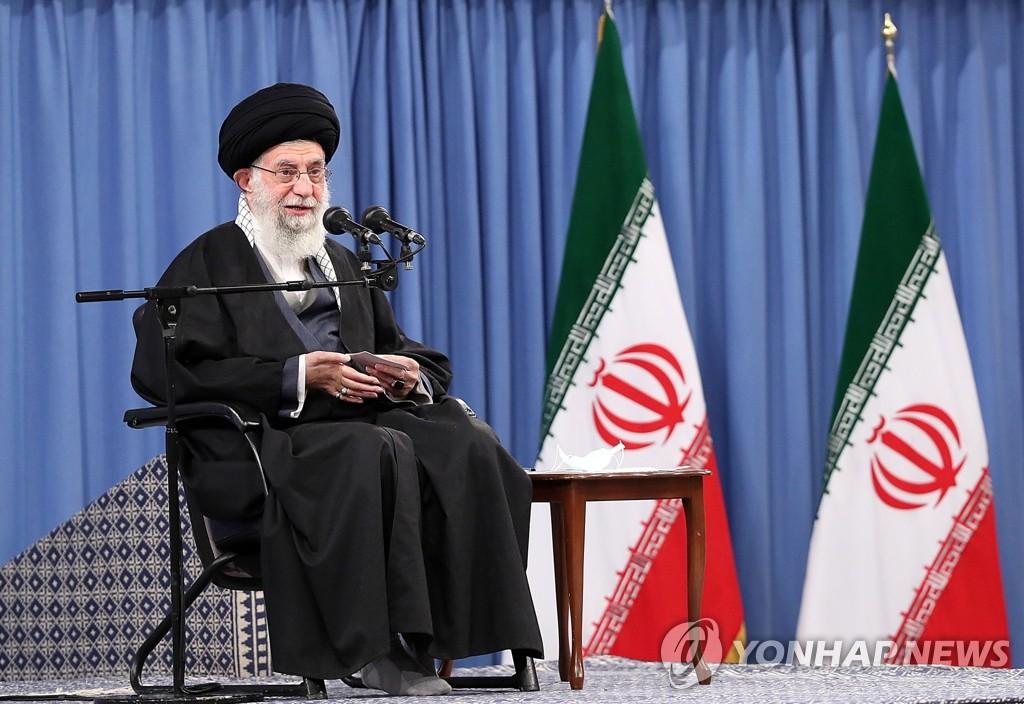 """하메네이 """"미국이 먼저 제재 해제해야 이란도 의무이행""""(종합2보)"""