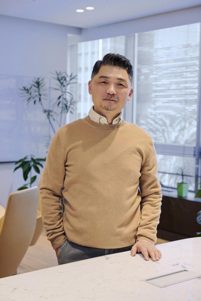 네이버 이해진·카카오 김범수, 성과급·인사 불만 직접 달랜다