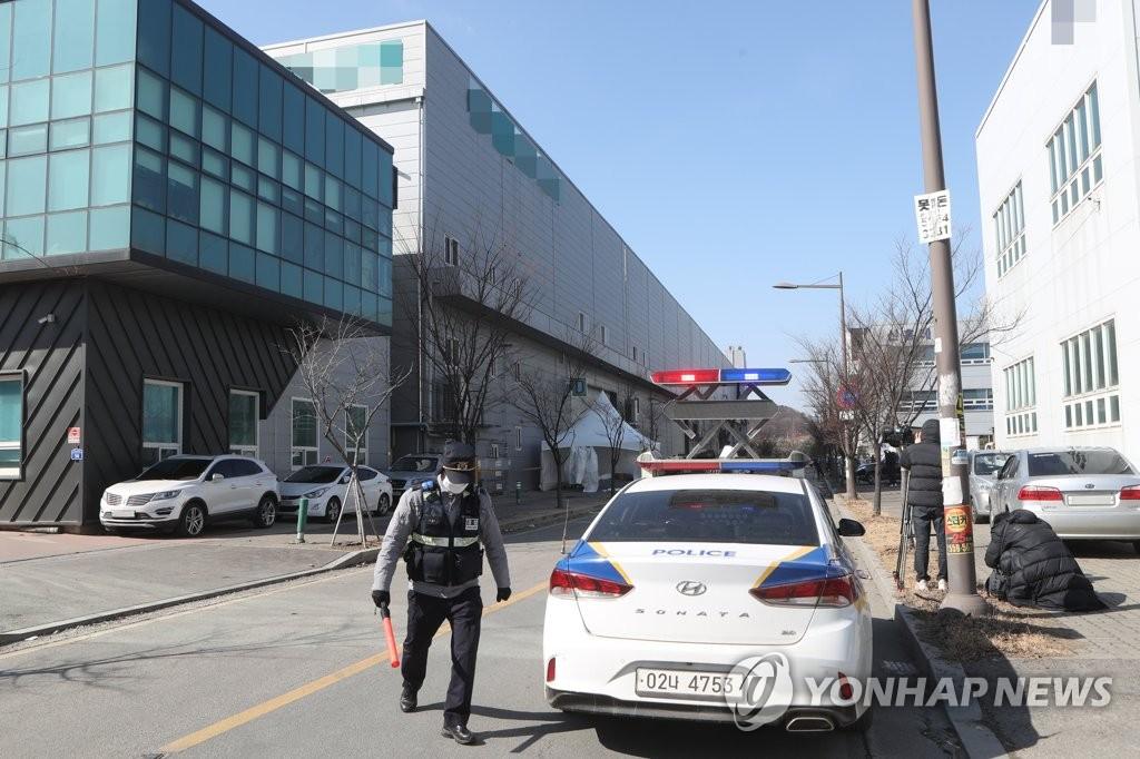 '이웃공장 114명 감염' 소식에 진관산단 근로자들 당혹