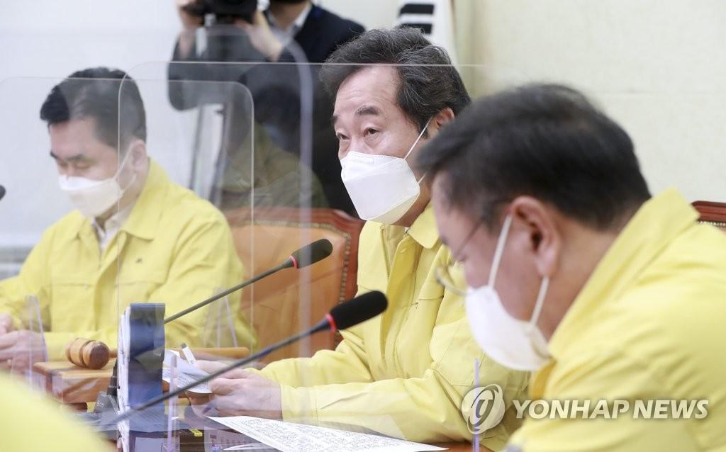 """이재명 """"기본소득세 걷어 보편지원""""…김경수 """"시기상조"""""""