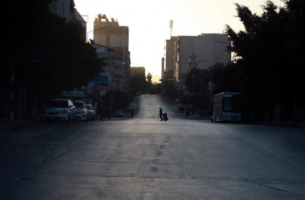 코로나19 봉쇄 조치로 텅 빈 요르단강 서안 지구./ 사진=연합뉴스