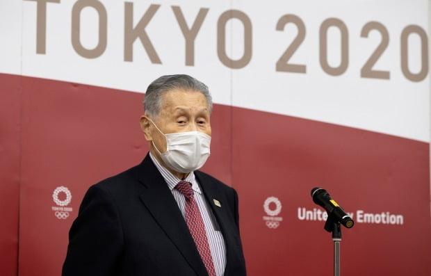 폭풍 후 모리 여성 비하 발언 … 도쿄 올림픽 자원 봉사자 사임