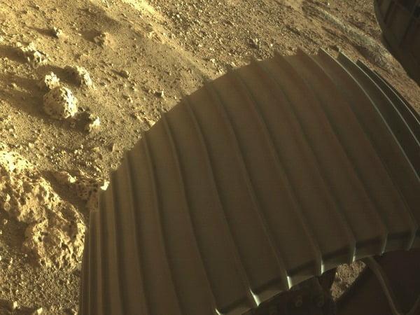 탐사 로버가 보내온 화성 토양 사진/사진=AP