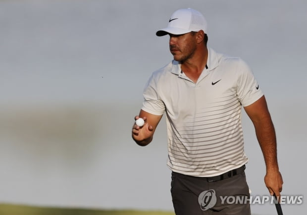 한전 세계 골프 선수권 2R 1 타 선두 … 임성재 26 위