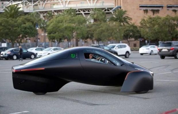압테라 전기차는 비행기 형태의 곡선형 디자인으로 항력 계수를 0.13까지 낮췄다. 사진=압테라
