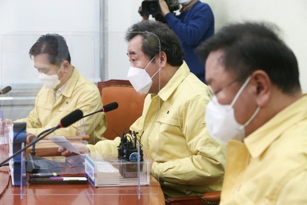 더불어민주당 이낙연 대표가 5일 국회에서 열린 최고위원회의에서 발언하고 있다. 사진=연합뉴스