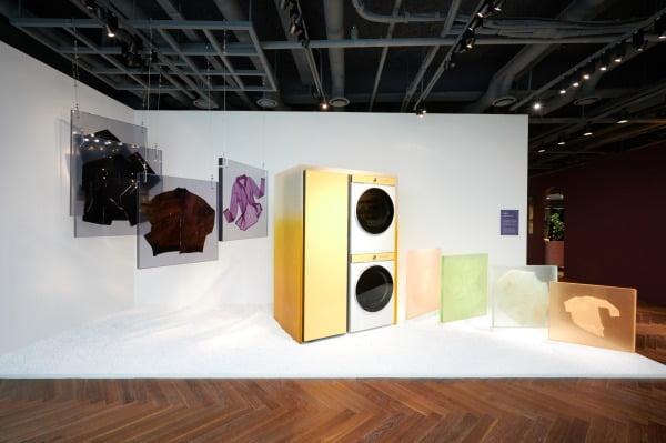 성디지털프라자 강남본점 5층 라이프스타일 쇼룸에서는 박원민 씨가 비스포크 홈 제품을 활용해 각자의 작품 세계를 펼친 전시도 감상할 수 있다/사진제공=삼성전자