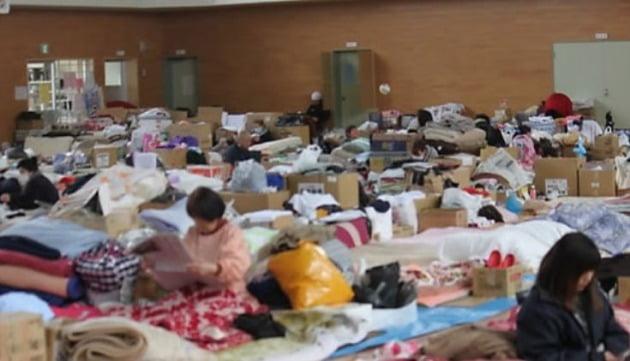 동일본대지진 당시 대피소 내부 모습 [사진=연합뉴스]