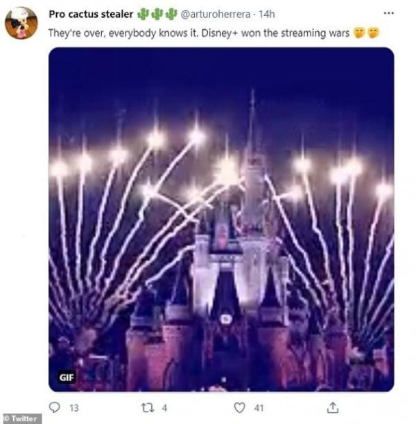 해외 누리꾼이 넷플릭스를 조롱하는 게시글. (그들은 끝났고, 모두가 그것을 알고 있다. 디즈니는 스트리밍 전쟁에서 승리했다.)