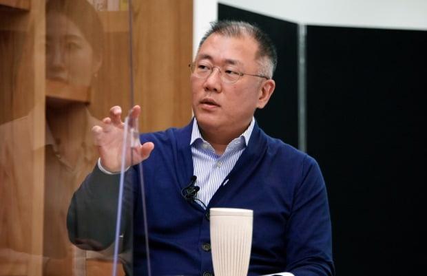 정의선 현대차그룹 회장이 MZ세대가 제기한 '성과급 기준' 논란에 대해 빠른 시정을 약속했다. 사진=현대차그룹