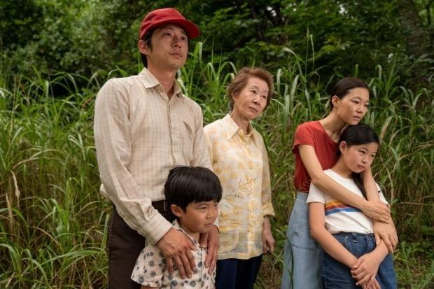 미국 할리우드 연예계가 영화 '미나리'를 작품상 후보에서 배제해 논란을 일으켰던 골든글로브 시상식에 개혁 조치를 요구했다./사진=연합뉴스