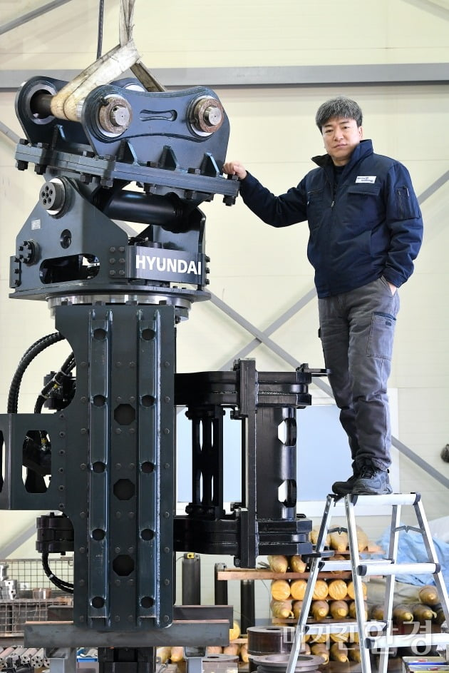 [인천대학교 초기창업패키지] '안전성·기술력'으로 글로벌 시장 잡는다… 특수 어태치먼트 제조사 스털링테크놀로지