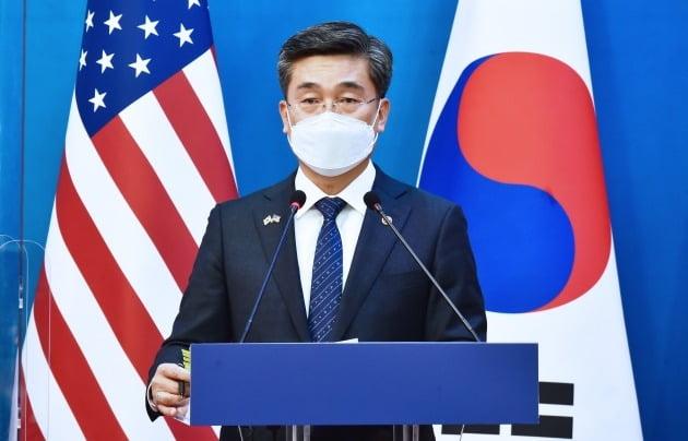 서욱 국방부 장관이 지난 18일 서울 도렴동 외교부청사에서 한·미 외교·국방 장관 회의(2+2회의) 후 공동기자회견을 하고 있다./ 사진공동취재단