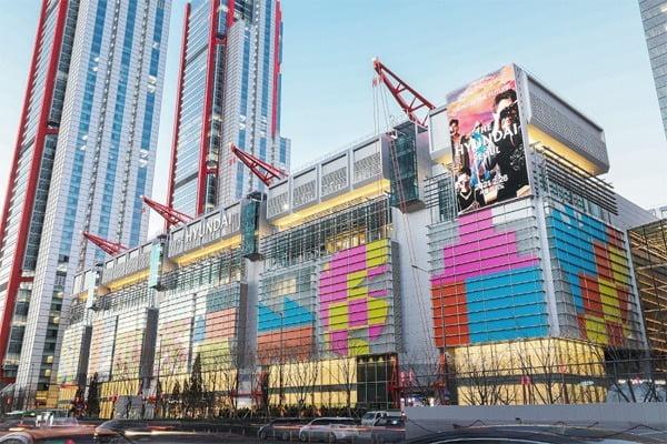 지난달 서울 여의도에 개점한 '더현대서울' 모습./사진=현대백화점 제공