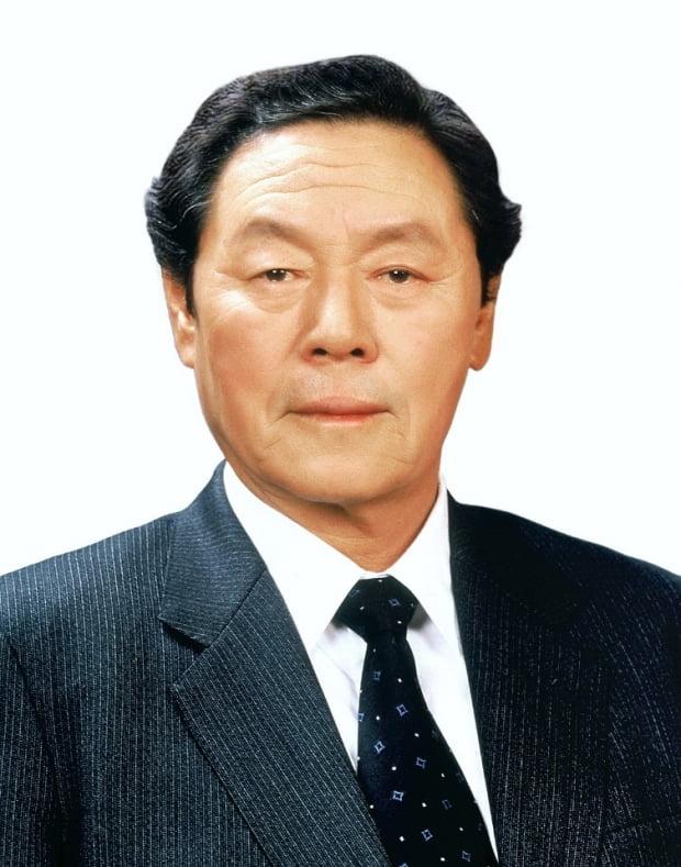 [속보] 농심 창업주 신춘호 회장 별세…향년 92세