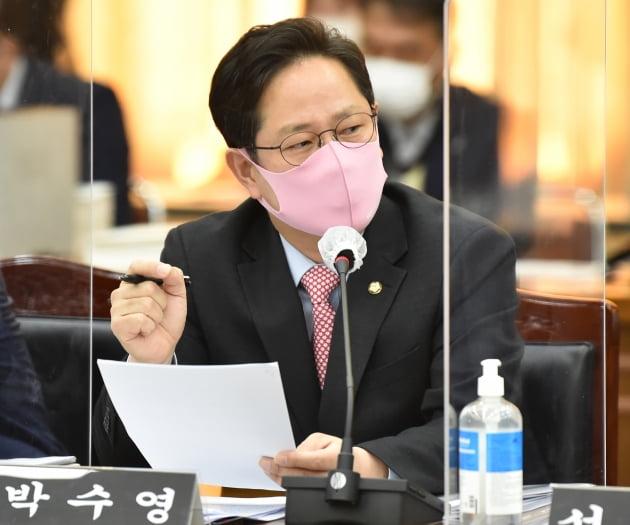 """[단독] 징역 7년 vs 셀프 징계…""""180만 공무원들 대혼란"""""""