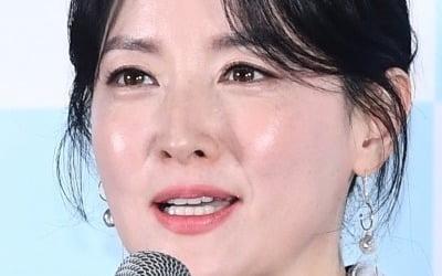 """이영애 """"남편 정호영 군납업자 아냐"""" 공식 해명"""