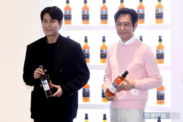 [포토] 이정재-정우성, '두 남자의 멋진 미소 대결'