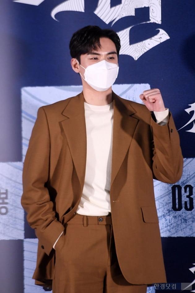 [포토] 김도훈, '마스크 뚫고 나오는 훈훈함'