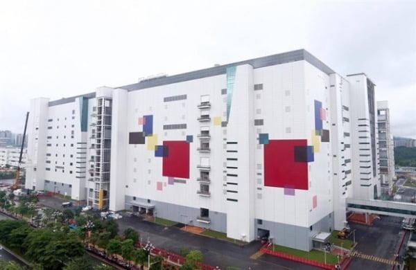 LG디스플레이 중국 광저우 팹 전경. 지난해 중순부터 본격 대형 OLED 패널 양산에 돌입했다/사진제공=LG디스플레이