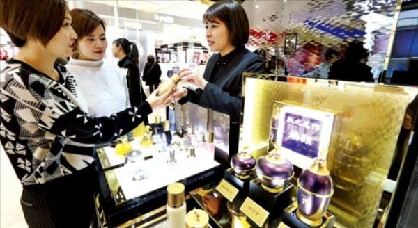 기사와 사진은 무관/ 사진=중국 상하이 빠바이반 백화점. 한경DB.