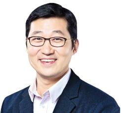 쿠팡, 상장으로 '4兆 실탄'…네이버와 맞짱