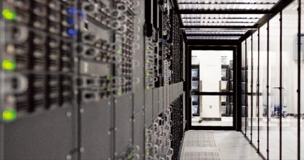 IBM은 금융과 통신 분야에 특화된 클라우드 서비스에 집중하고 있다. IBM 클라우드 매니저 서비스 장면.  IBM 제공