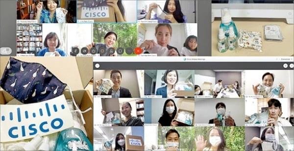 시스코 코리아 직원들이  웹엑스로 저소득층 어린이들에게 전달할 위생 키트를 만들고 있다. 시스코 제공