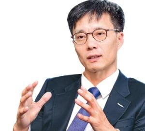 한국의 메모리 경쟁력 세계 1위…더 이상 통하지 않는 상황 올 것