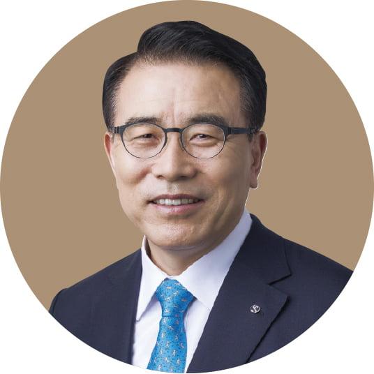 조용병 신한금융지주 회장, 지속 가능 경영·디지털 전환 속도…계열사 경쟁력 강화