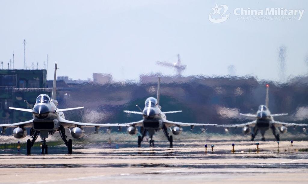 중국, 미국과 긴장 고조 남중국해서 한달간 군사훈련