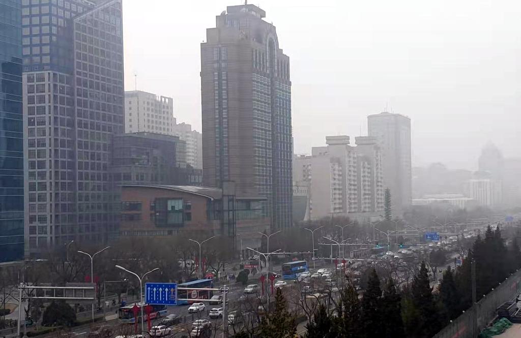 中양회 첫날 베이징 미세먼지 엄습…그린 차이나 무색