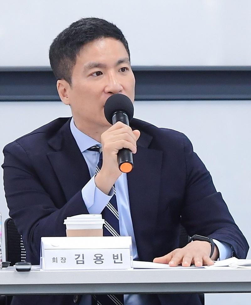 """김용빈 대한컬링연맹 회장 """"올림픽 금메달 따면 억대 포상"""""""